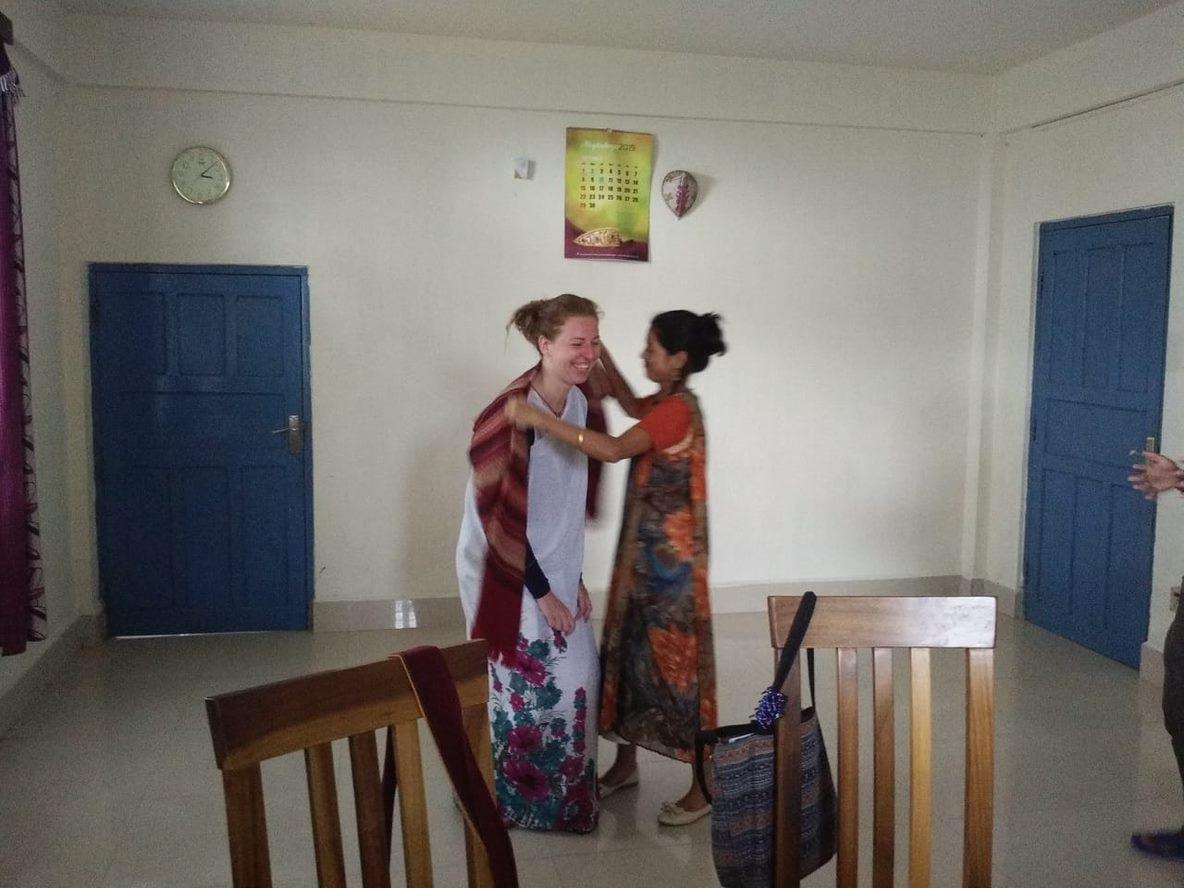 Nadja in der Schule, in der sie bei ihrem Auslandsfreiwilligendienst über die Salvatorianer mitgeholfen hat. (c)